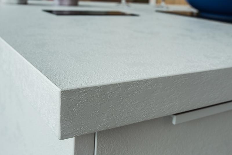 Arbeitsplatten kuche schichtstoff for Gunstige arbeitsplatten kuche